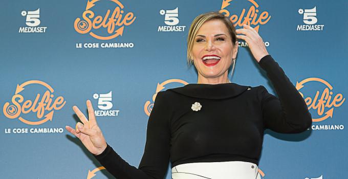 """Simona Ventura ci racconta i suoi progetti fututi e la seconda edizione di """"Selfie"""""""
