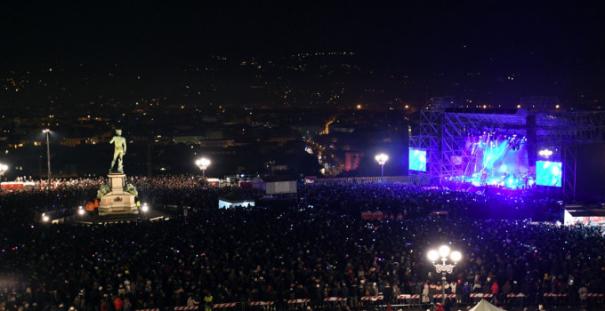 Capodanno Firenze 2018: Ermal Meta, Morgan, Raphael Gualazzi per il concertone pop al Piazzale Michelangelo