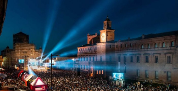GIANNI MORANDI, COEZ, JAMES BLUNT e PAOLO MIGONE, ANNA MARIA BARBERA e PAOLO CEVOLI per la terza edizione del CARPI SUMMER FEST