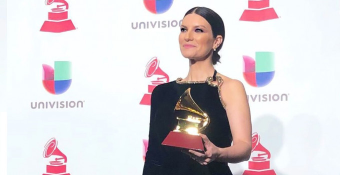 "LAURA PAUSINI TRIONFA AI LATIN GRAMMY AWARDS 2018!   VINCE IL PREMIO ""BEST TRADITIONAL POP VOCAL ALBUM"""