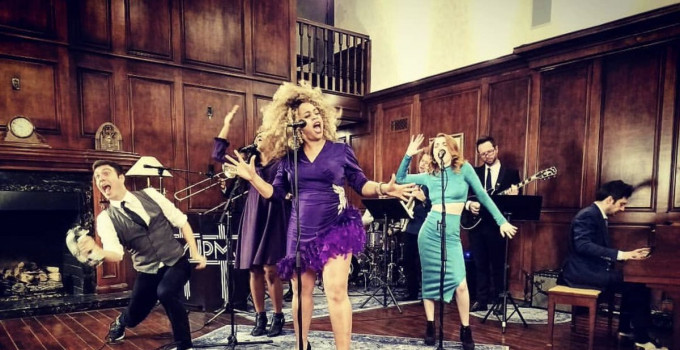 Nightguide intervista Tia Simone, voce soul strepitosa dell'ensemble di Scott Bradlee, Postmodern Jukebox.
