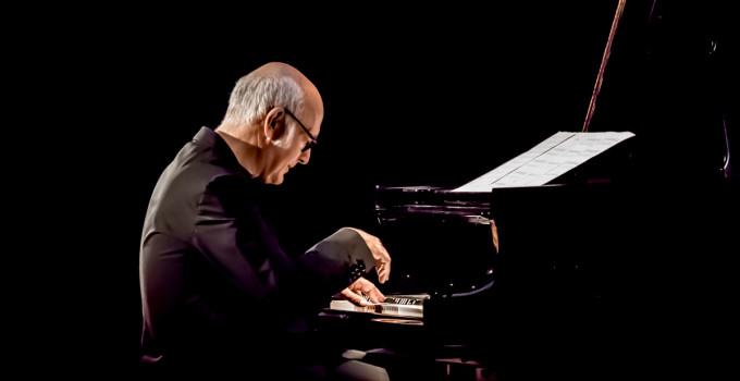 """Ludovico Einaudi live al Teatro Regio di Parma con il primo dei sette album  di """"Seven Days Walking"""""""