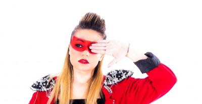 """AvA, il nuovo singolo """"Adesso il capo sono io"""" tra moombahton e sovarnismo femminile"""