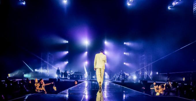 """MARCO MENGONI: debutto per il """"Fuori Atlantico Tour"""" dal labirinto più grande al mondo. Già tre i sold-out del tour autunnale."""