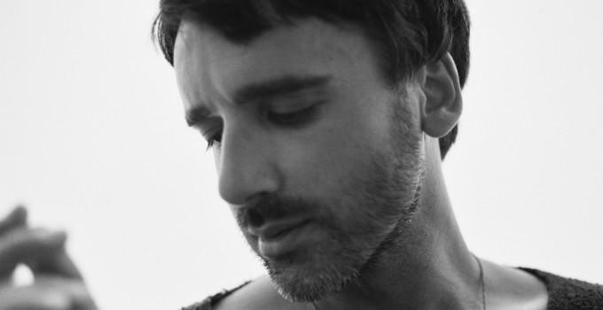 Nightguide intervista Gianluca Massaroni, un artista d'altri tempi che accorda pianoforti e crede nell'amore
