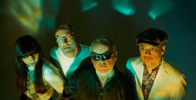 "PIXIES: guarda il video psichedelico di ""On Graveyard Hill"""