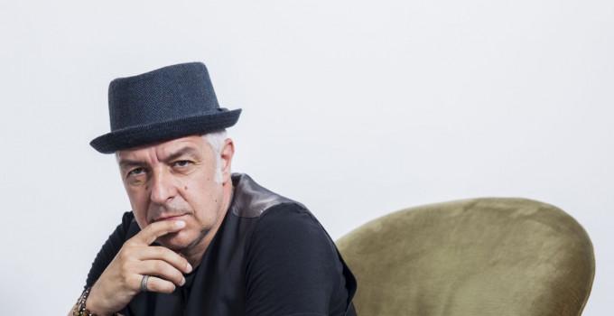 """DAVIDE VAN DE SFROOS: il 22 novembre esce il disco live """"QUANTI NOCC"""", in versione digitale, doppio CD e triplo vinile."""