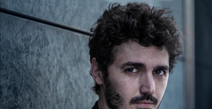 ANDREA VIGENTINI - Il giovane cantautore special guest nei teatri con Francesco Renga. L'album nel 2020