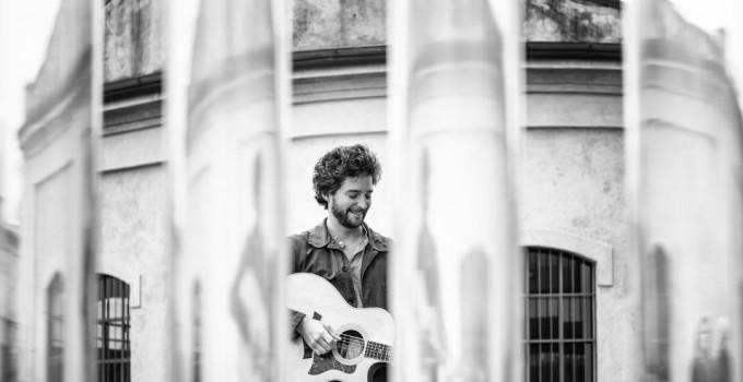 OCTAVE LISSNER  Un inedito ed una cover di De André per il debutto in Italia del cantautore francese con Bluebelldisc Music