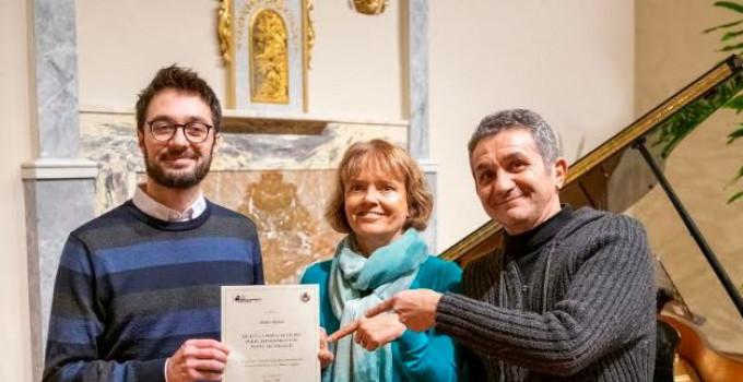 Assegnata a Matteo Bianco la borsa di studio all'APM di Saluzzo dell'associazione dedicata a Carlo U. Rossi