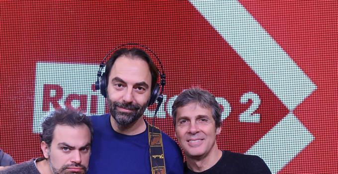 Radio2 Social Club è tornato in Tv con Luca Barbarossa, Andrea Perroni e Neri Marcorè