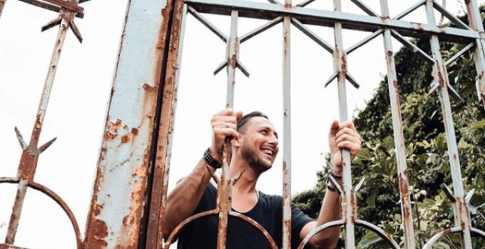"""Mitch B.: fa ballare l'Italia con una chart su Beatport, """"Respect"""" e Rise Up"""