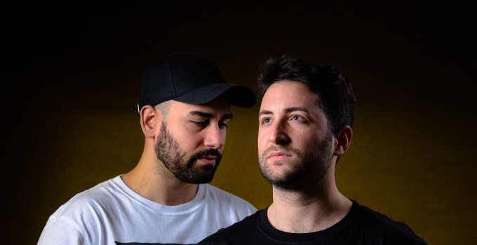 "NIGHTGUIDE intervista D'AMICO & VALAX - - ""Move It"" è il nuovo singolo del duo elettronico italiano"