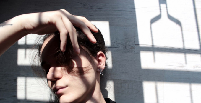 """Esce il 12 giugno """"LUCI ACCESE"""", il singolo d'esordio di MARTINA BELTRAMI, concorrente di Amici 19"""