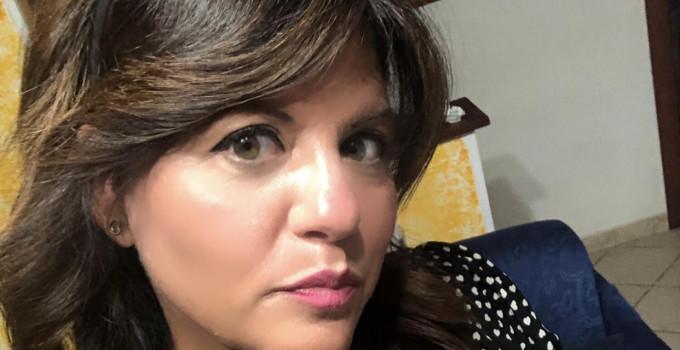 """Intervista ad Anna Rita Barretta, autrice dell'opera """"L'Incanto… oltre il buio""""."""