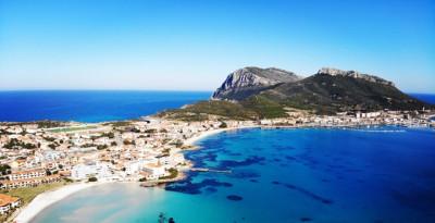 """""""Golfo Aranci ON AIR"""" dal 22 al 24 maggio 2021, così riparte il turismo"""
